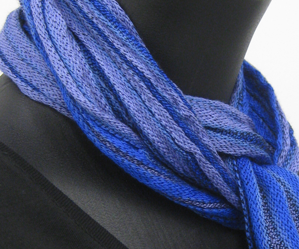 crinkly blue scarf 3